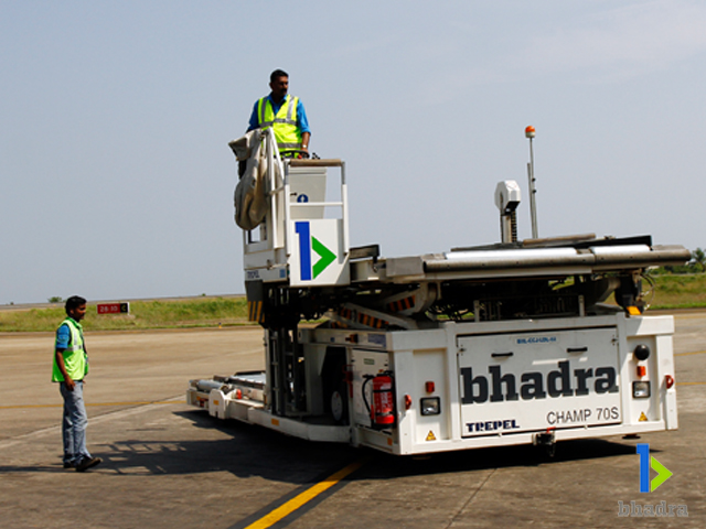 air cargo handling-Lower Deck Loader, Kozhikode Airport, India